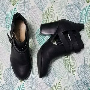 Like new Shoe Dazzle black peekaboo booties, 7.5